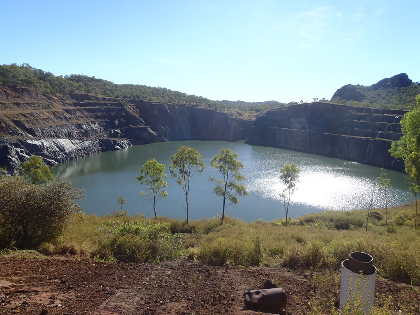 Old open pit at the Red Dome Mine, Queensland, © MPI / 2011