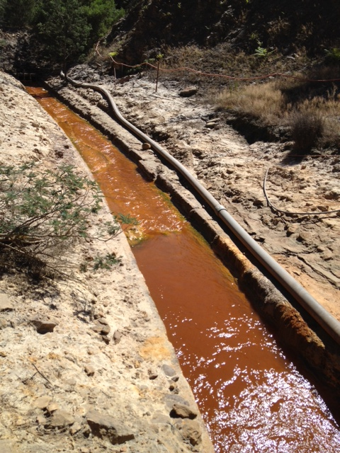 Acid Mine Drainage North of Mt Lyell