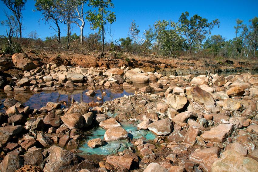 Acid Mine Drainage from Redbank Mine, © Phoebe Barton / MPI 2011