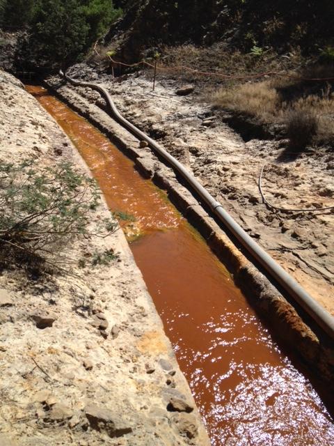 Acid Mine Drainage North of Mt Lyell